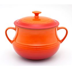 Sopeira-laranja-com-tampa-Le-Creuset-