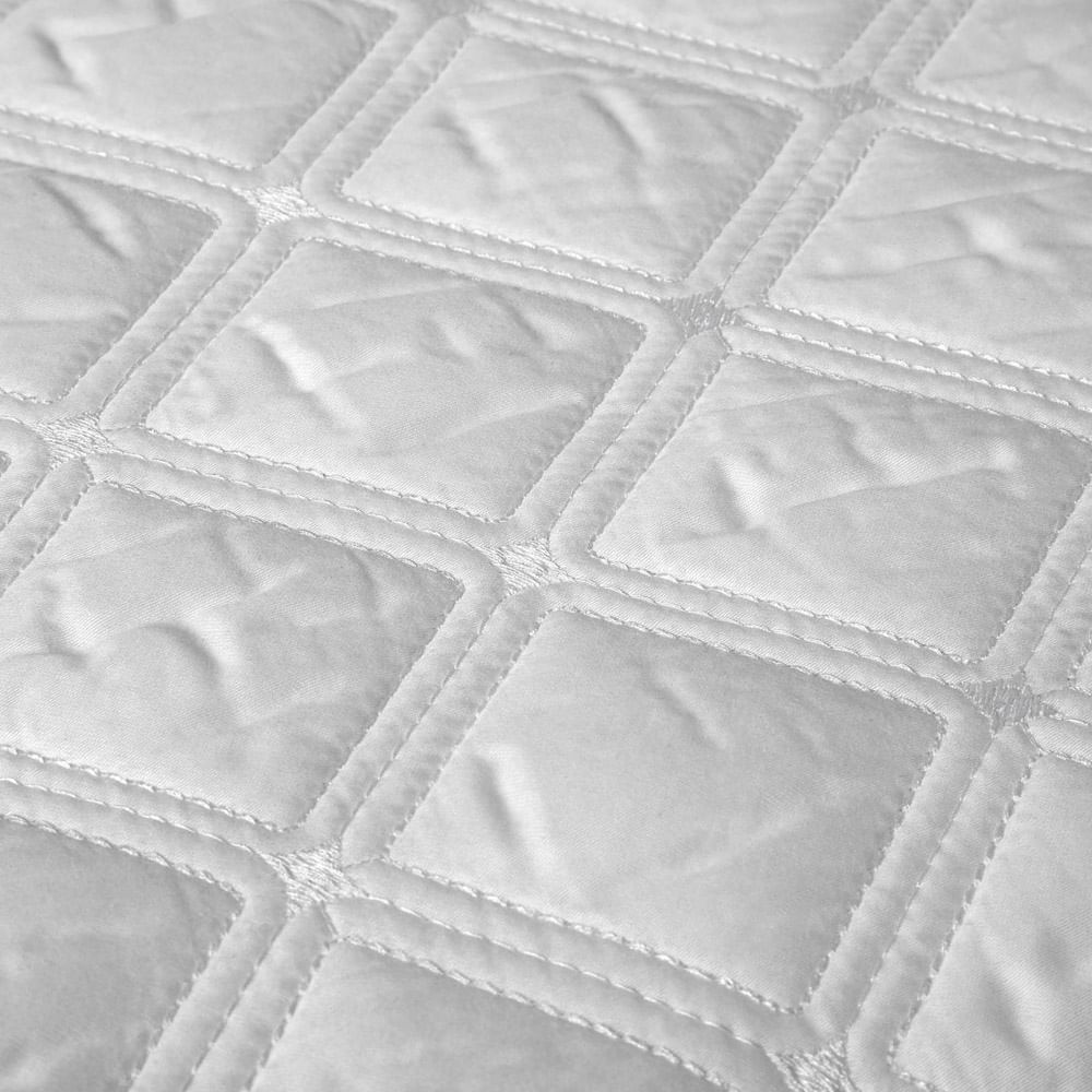 Colcha Queen 2.40x2.60m com Porta Travesseiro 59St Branco 803701 By The Bed