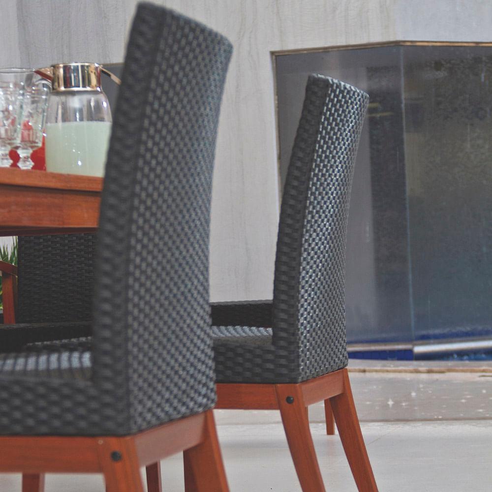 Cadeira de Madeira com acabamento em eco blindage com Estofado Preto em Fibra Sintética 10980076 Tramontina